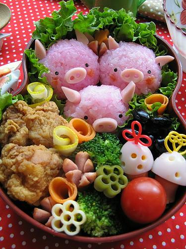 cute-food-pink-pig-bento