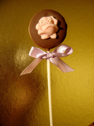 cute-food-rose-chocolate-lolly
