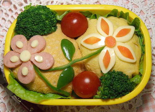 cute-food-flower-bento