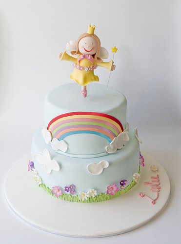 cute-food-dancing-girl-cake