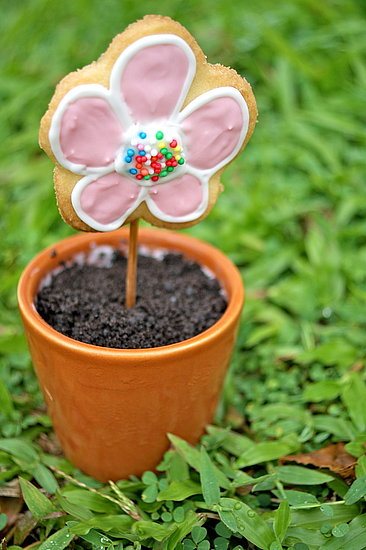 Cute Food Photos - Flower Pot Ice Cream Cake